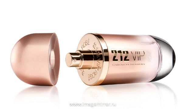 Бренд Carolina Herrera выпустил новый аромат 212 VIP Rose