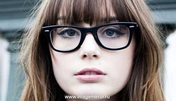 Видеоурок: макияж для тех, кто носит очки